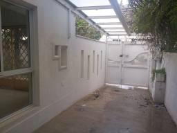 Título do anúncio: Sobrado para aluguel possui 300 metros quadrados com 5 quartos em Vila Clementino - São Pa
