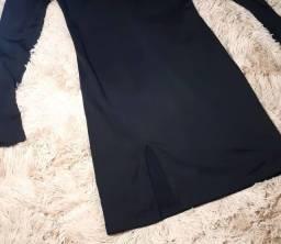 Título do anúncio: Vestido preto com recortes
