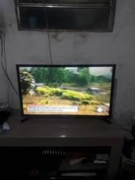 Vendo uma TV esmart ótima imagem 32