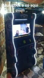 Fliperama e karaoke