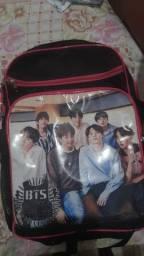 Título do anúncio: Vende-se mochila BTS