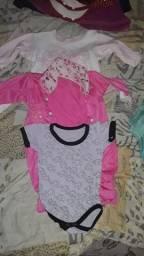 Vende se lote de roupas para menina