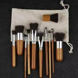 Pincéis de maquiagem de bambu