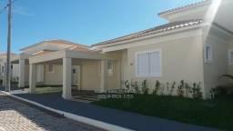 Casa térrea Cond Fechado com 242m² total com 3 suítes