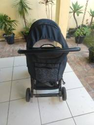 Carrinho de bebê semi- novo
