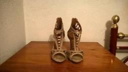 Sandalia salto alto shoebiz - R$ 69,00