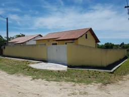 Ampla casa com 3 quartos sendo 1 suite bairro Itatiquara