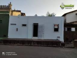 Casa com 2 dormitórios para alugar, 52 m² por R$ 700/mês
