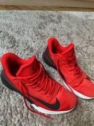 Tênis Nike Precision 46