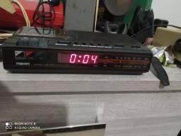 Rádio relógio despertador e toca fita