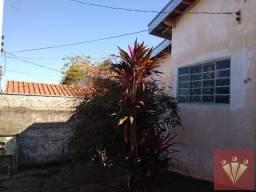 Casa com 2 dormitórios para locação por R$ 750 - Jardim Planalto - Mogi Guaçu/SP