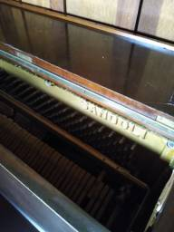 Piano Sandoli de madeira