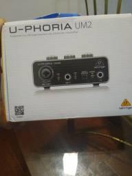 Interface de áudio UM2 Behrinher NOVA NA CAIXA