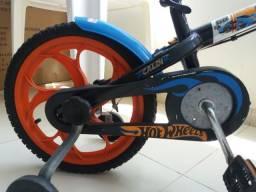 Bicicleta Caloi Hot Wheels Aro 16 - preta/azul/laranja
