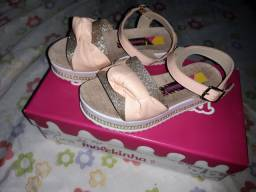 Sandalia infantil nova