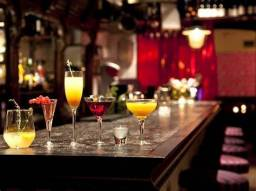 Título do anúncio: Lindo Bar Lucro R$40.000,00 Mil Só Trabalha a Noite Praia Ótimo Ponto