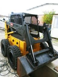 Mini- Carregadeira Bobcat 711 Ano 2011 Ótimo Estado