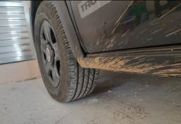 Vendo 4 pneus da Goodyear aro 15 205/60 semi-novo