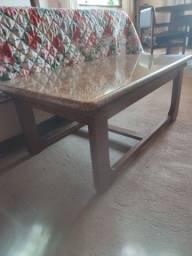 Título do anúncio: Mesa de centro com base de madeira e tampo de pedra