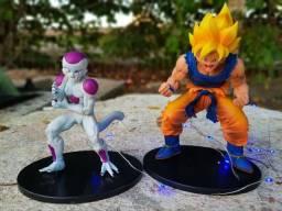 Estatueta Dragon Ball Z Goku Freeza