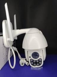 Câmera IP externa a prova dágua funciona no wi-fi sem cabos.