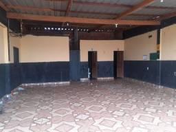 Casa com ponto comercial no Manoel Julião