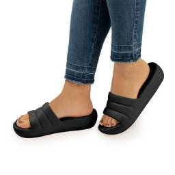 Chinelo Marshmallow Preto<br><br>Picadilly