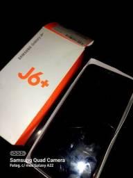 Título do anúncio: Samsung j6+ com leves trincos, porém funcionando perfeitamente
