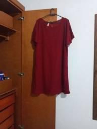 Título do anúncio: Vestido novo nunca usado de renda forrado veste 48. 50
