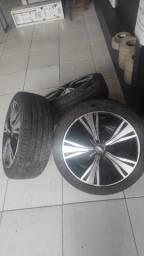Roda 17 com pneus zero 2 meses de comprada