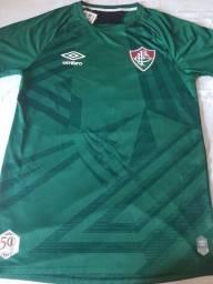 Camisa de goleiro do Fluminense na etiqueta