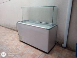 3 freezers horizontal, 1 expositora