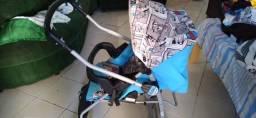 Vendo um lindo carrinho de bebê!!