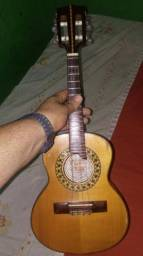 Carlinhos luthier em pinho alemão