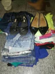 Estou com lote d roupa pra vende sao 46 pesaa de roupas