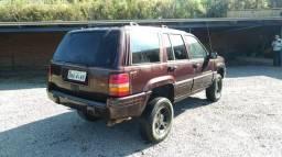 Cherokee limited v8 - 1996