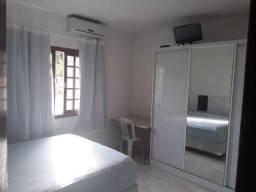 Alugo quarto mobiliado (suite)