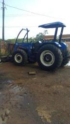 Trator New Holland 4x4 - Ano 2010