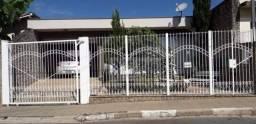 Casa térrea a venda no Jd Alvinópolis em Atibaia/SP