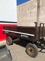 Carreta para trator dois eixos com pneus