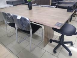 Mesa de Reunião 6 pessoas