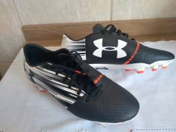 Chuteira Under Armour Spotlight n°40