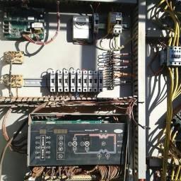 Eletricista a disposição