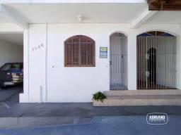 Apartamento com 2 dormitórios para alugar, 60 m² por R$ 1.050,00/mês - Estreito - Florianó