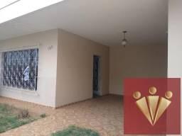 Casa com 3 dormitórios para locação por R$ 2.000 - Jardim Centenário - Mogi Guacu/SP