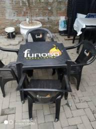 Mesa c cadeiras