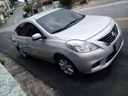 Nissan Versa 1.6 SL 2014 Completo