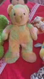 Ursinhos de pelúcia.