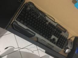 Teclado e mouse gamer