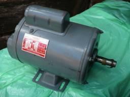 Motor elétrico monofásico Kohlbach 1/2 CV Novo